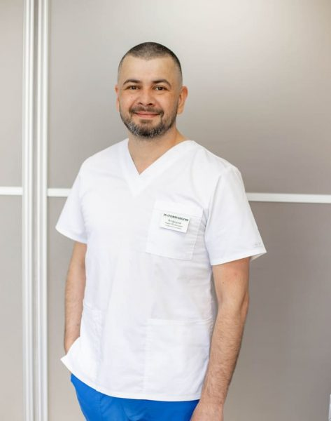 Врач стоматолог-ортопед 3D Стоматология